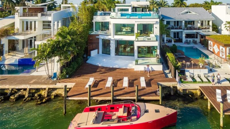 Breathtaking San Marco Waterfront Home for Rent $130,000 per Month
