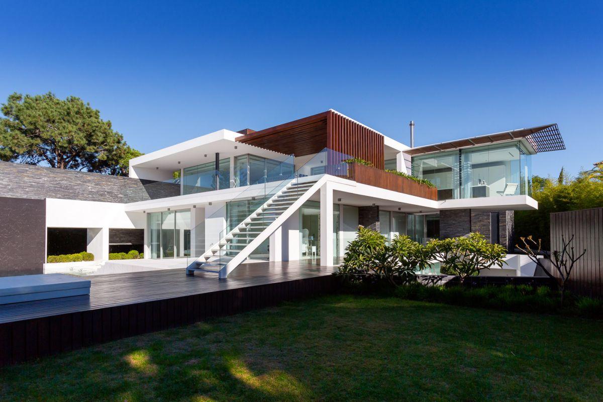 Casa Dixon in Portugal by Arquimais Architecture and Design