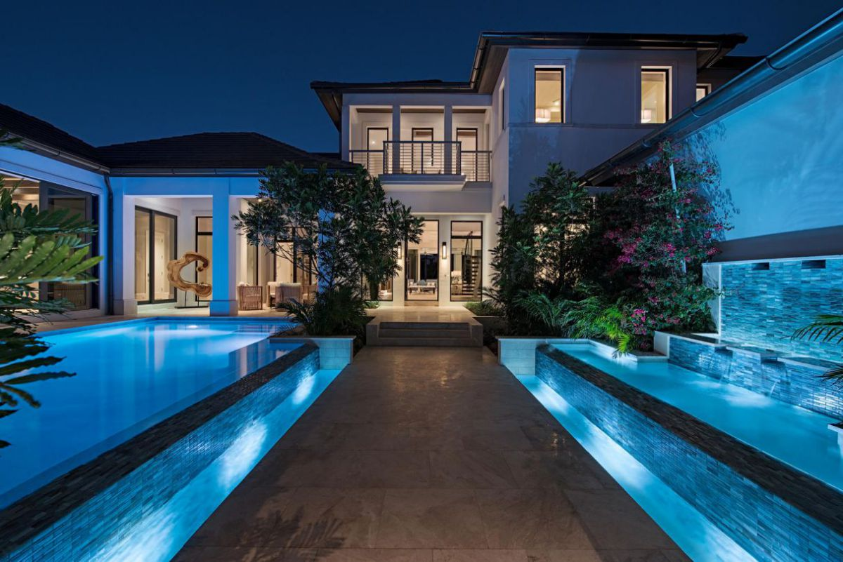 Elegant Naples Residence Thoughtfully Drawn by Stofft Cooney Architects