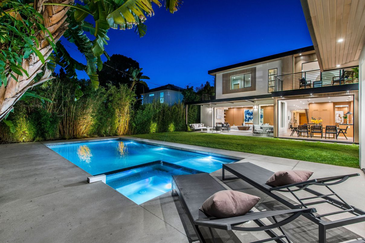 Exquisite New Home in Venice for Sale