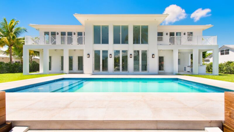 $55,000 per Month Fabulous Buttonwood Modern Waterfront Home in Miami