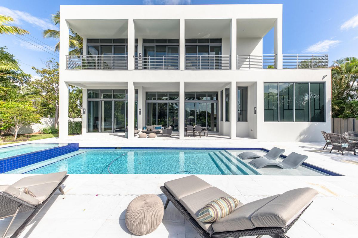 Fort Lauderdale Modern Estate perfect for South Florida lifestyle