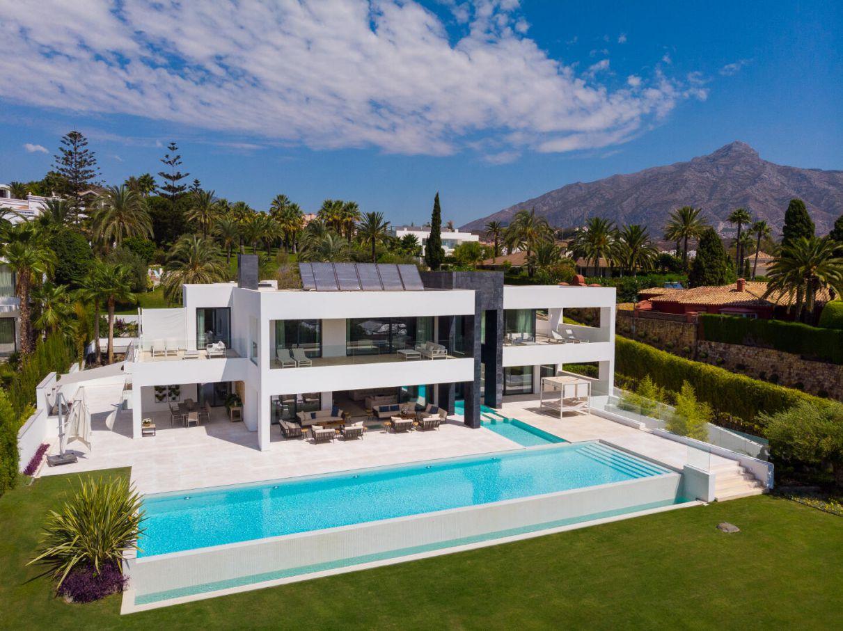 Inside A €5,950,000 Modern Villa in La Cerquilla, Marbella, Spain