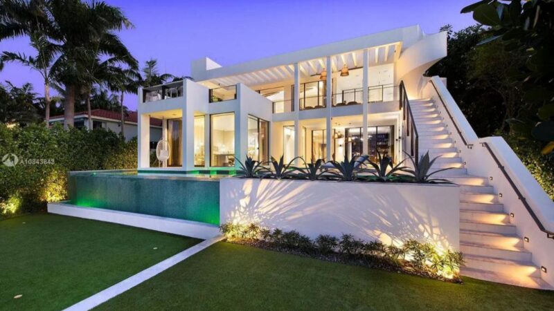 Marvelous Venetian Waterfront Home in Miami Beach for Rent $80,000