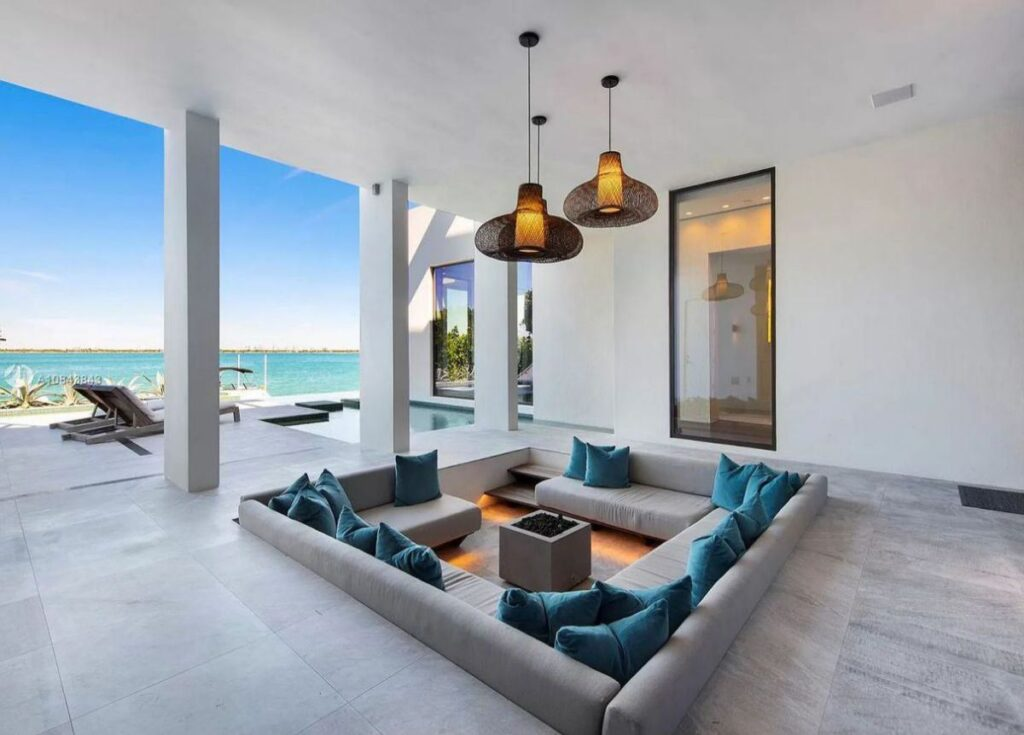 Marvelous Venetian Waterfront Home in Miami Beach