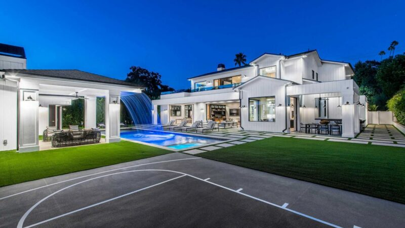 New Construction Modern Farmhouse in Encino hits Market for $6.5 Million