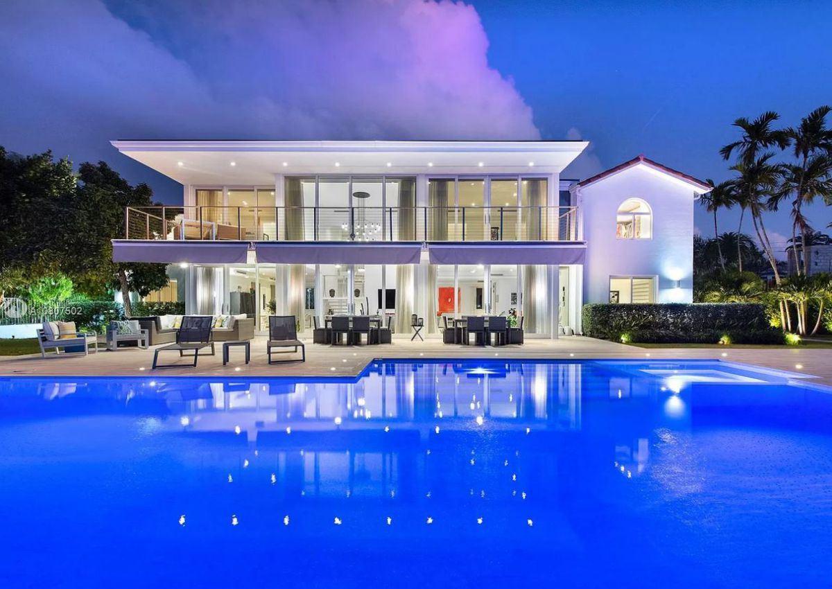 Prairie Avenue Modern Home in Miami Beach, Florida