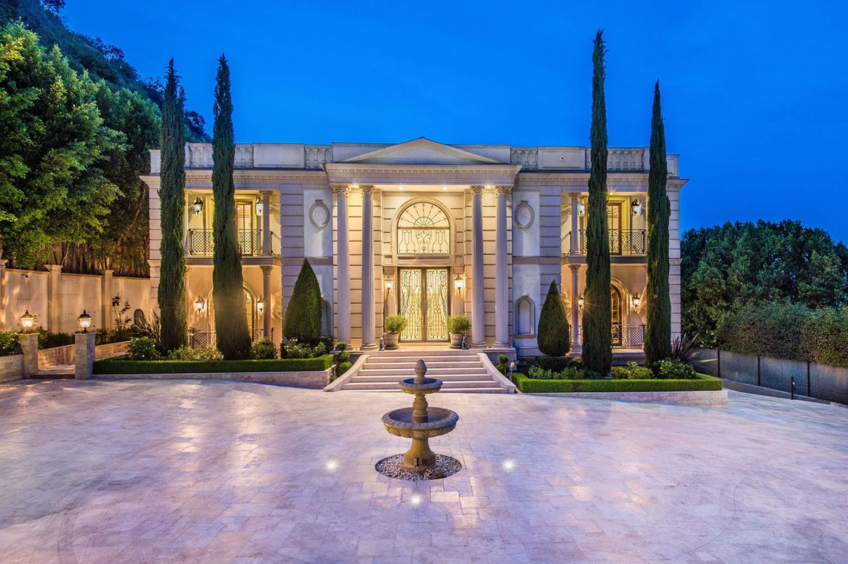 Stone Canyon Classic Mansion in Los Angeles for Sale