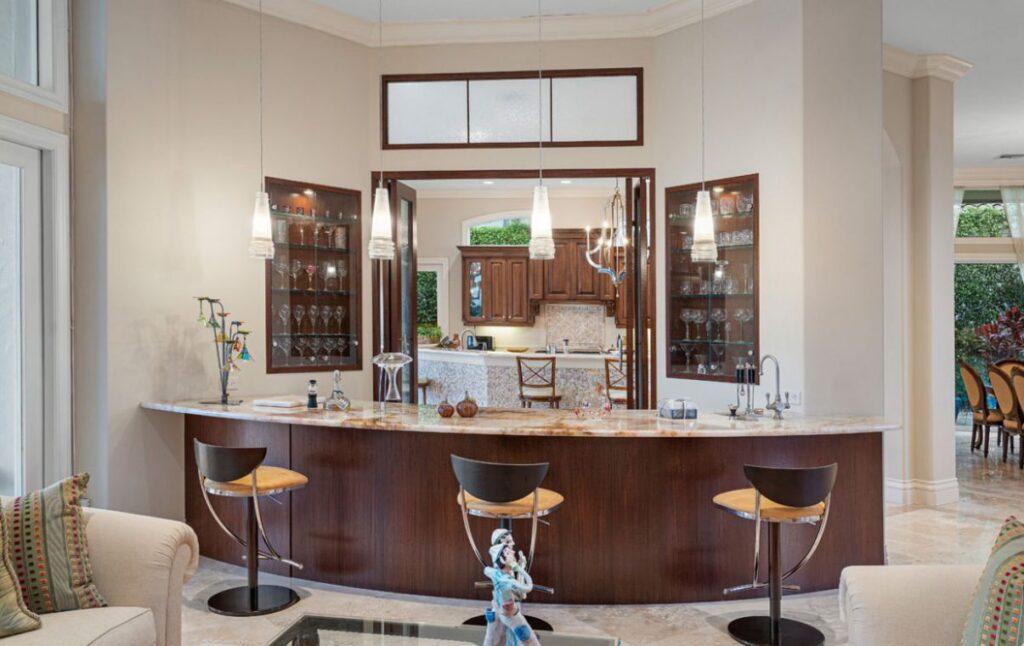 Stunning Villa Paradiso in Boca Raton for Sale