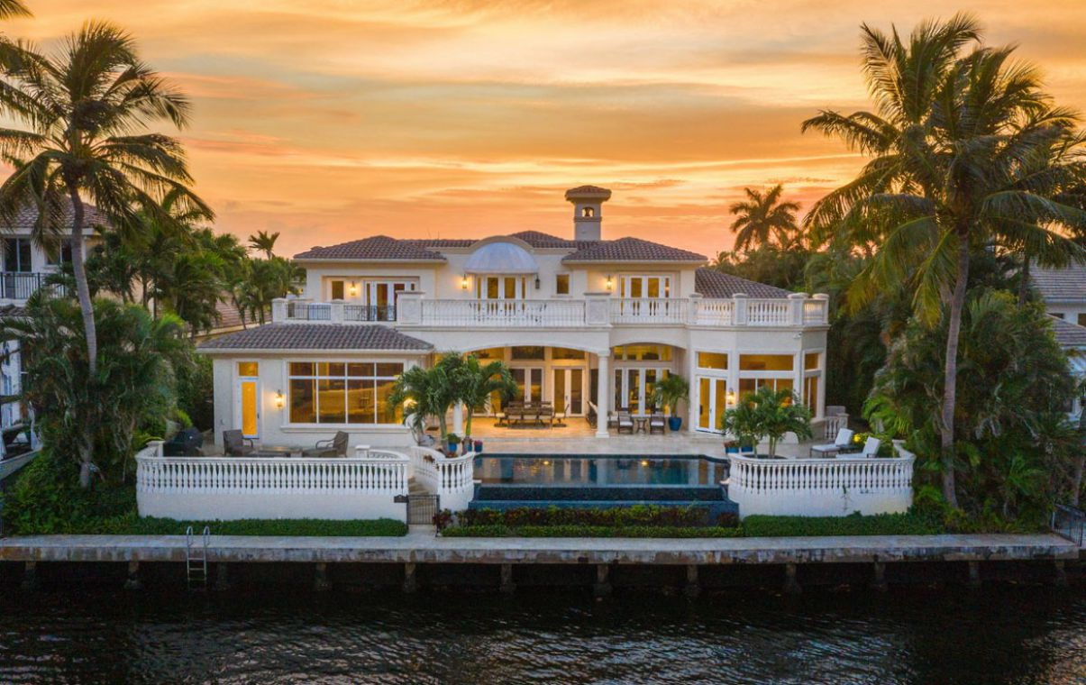 Stunning Villa Paradiso in Boca Raton for Sale