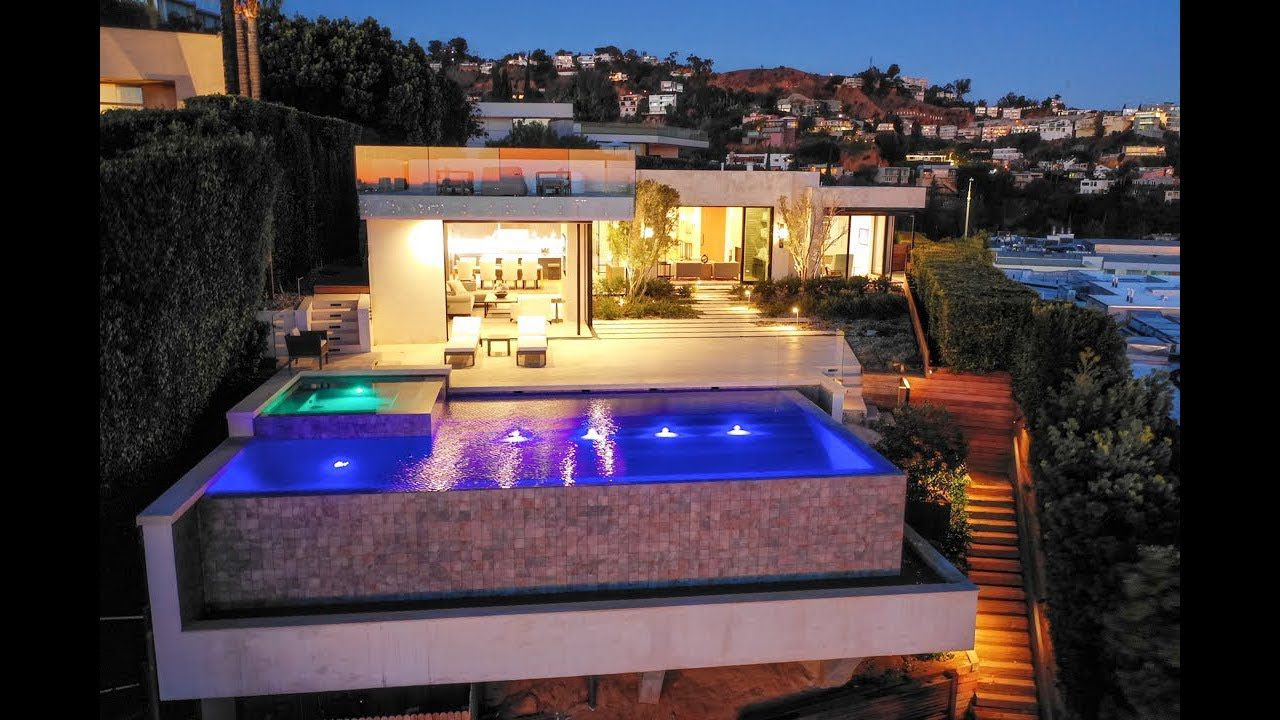 Tanager Way Modern Home in Los Angeles for Sale