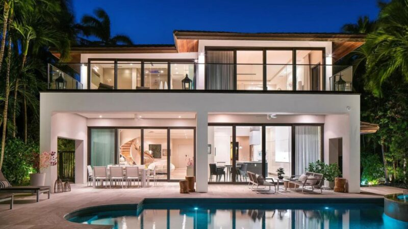$9,65 Million Tropically Designed Rivo Alto Modren Home in Miami Beach