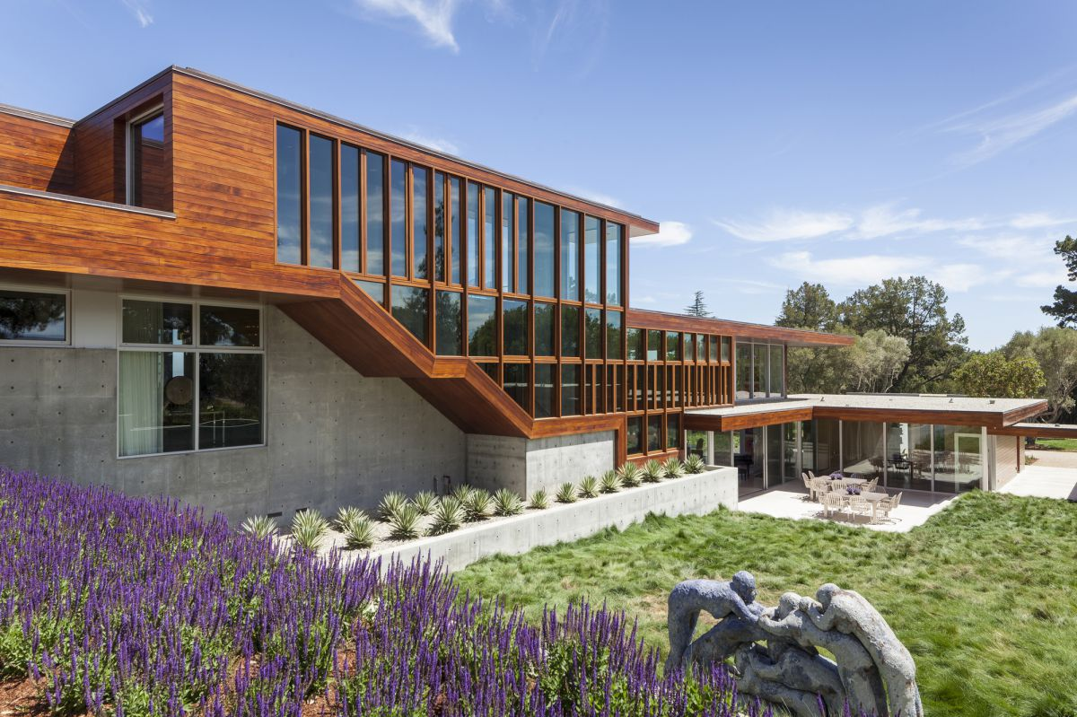 Vidalakis Residence in Portola Valley, CA by Swatt Miers Architects
