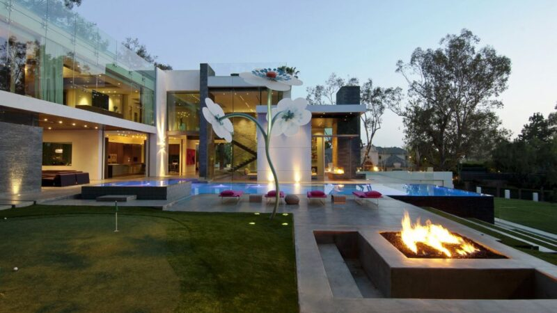 Beverly Hills Summit House by Whipple Russell Architects