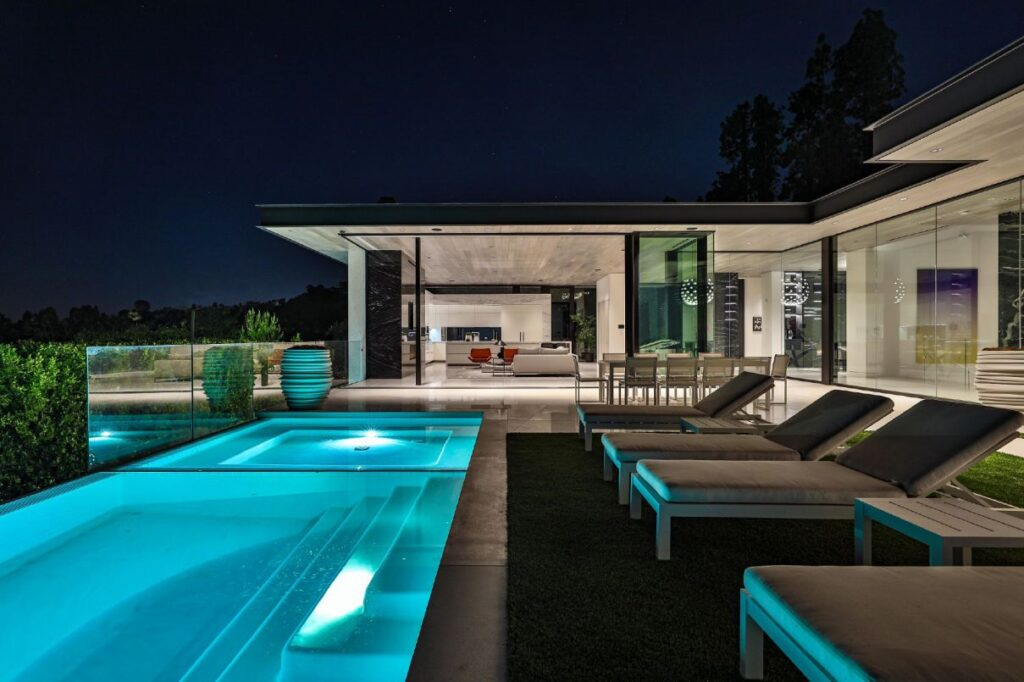 Blue Jay Way Modern Home in Los Angeles by McClean Design