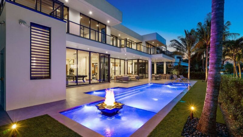 Boca Raton House in Floria by John D Conway Architect Inc