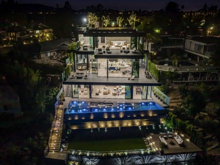 Brand New Los Angeles Architectural Masterpiece hits Market