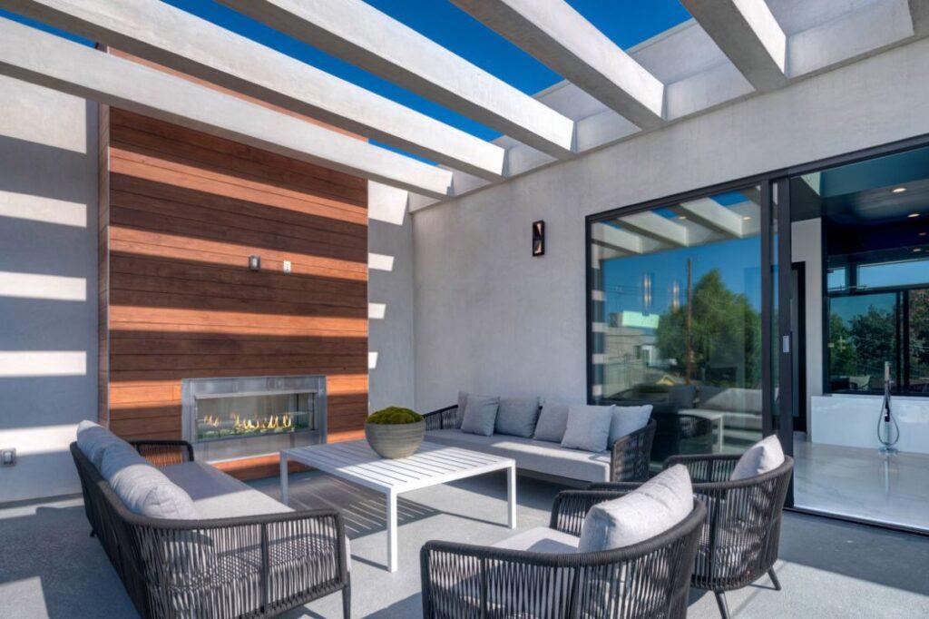 California Contemporary Home in Venice for Sale