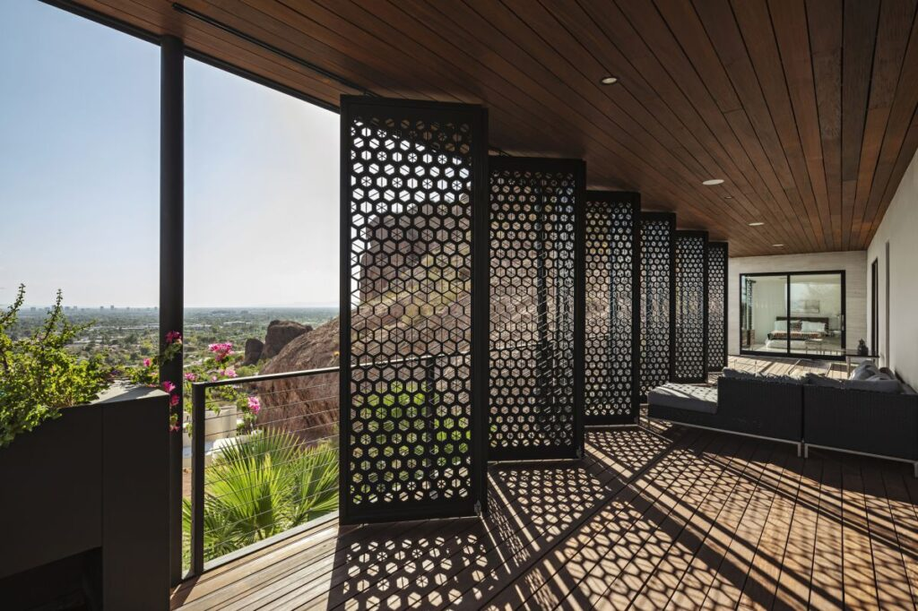 Camelback Mountain Residence in Phoenix, Arizona by The Ranch Mine