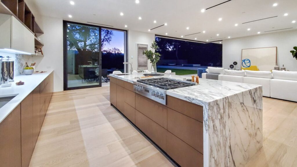 Exquisite Los Angeles Modern House