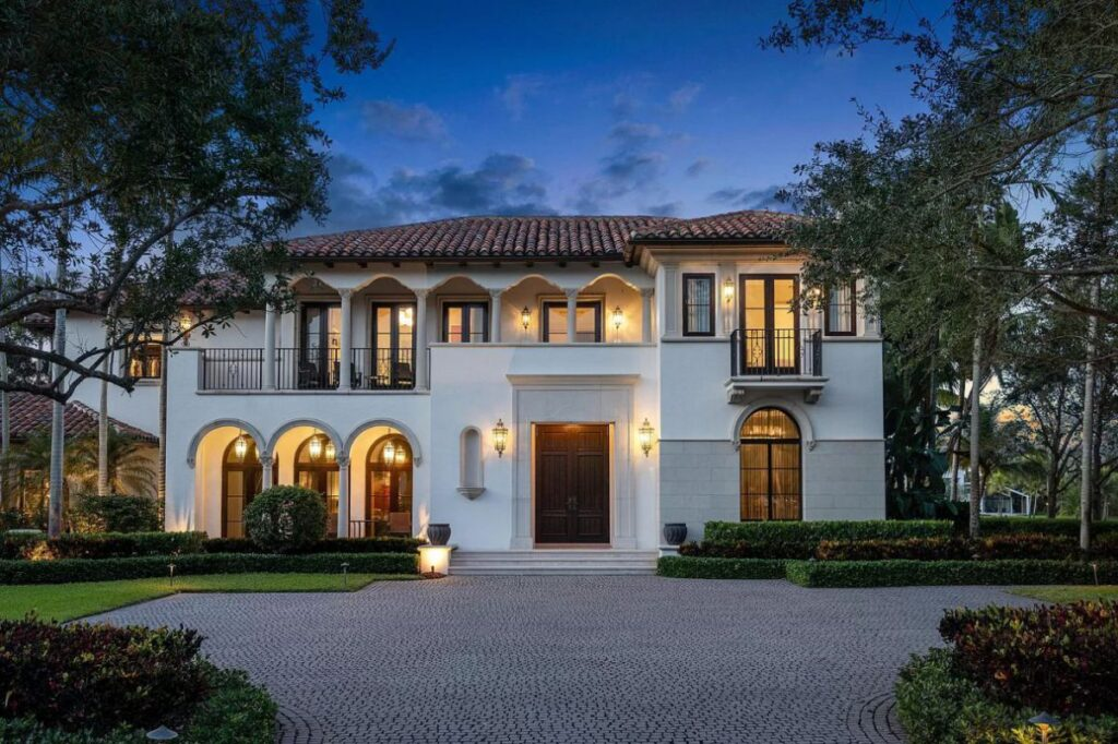 Florida Custom Built Home with Finest Finishings