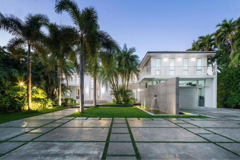 Fully Renovated House in Miami Beach for Sale