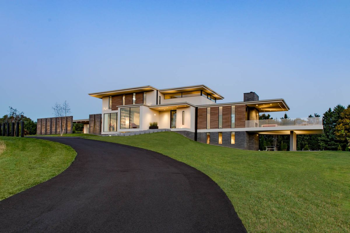 Great Falls Modern Home in Virginia by Whipple Russell Architects