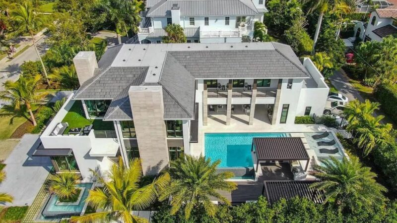 Gulf Shore Grand Masterpiece in Naples, Florida for Rent at $75,000