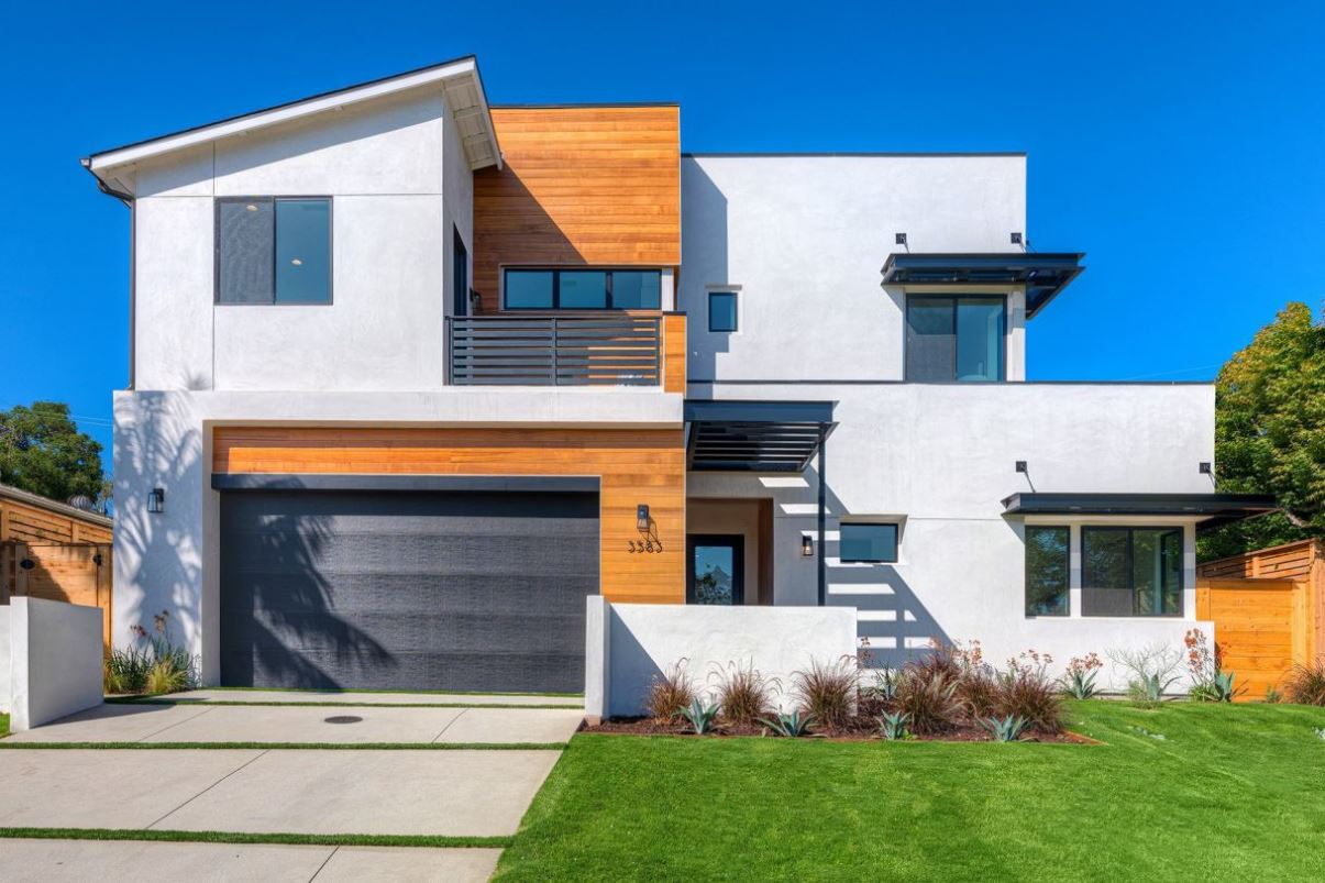 Inglewood Residence in Los Angeles for Sale