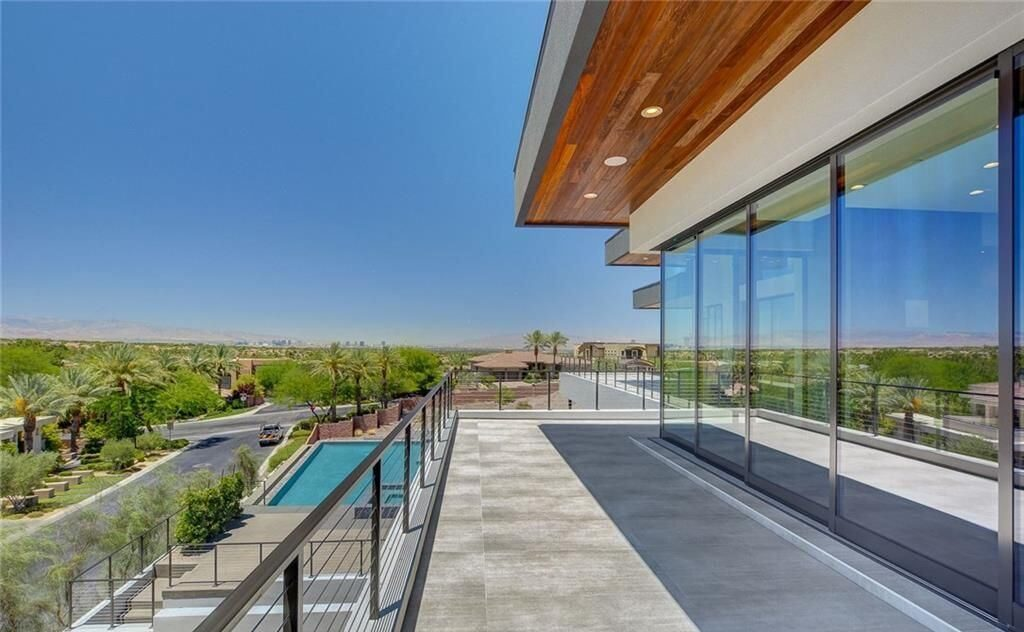 Las Vegas Luxury Home with Inspirational Views for Sale