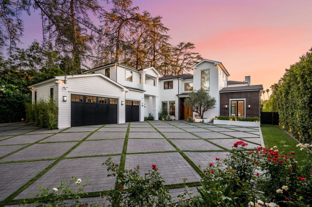 Modern Farmhouse in Encino Provides the Ultimate Luxury