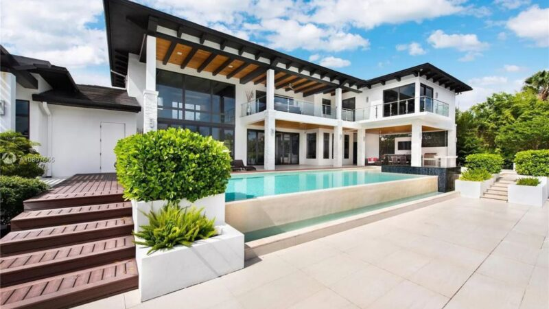 New Built Waterfront Home in Florida for Sale at $4.45 Million