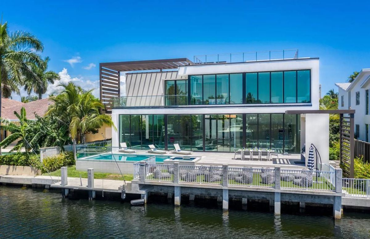 North Miami Beach Modern Home with Yacht Dockage Asks for $4.9 Million
