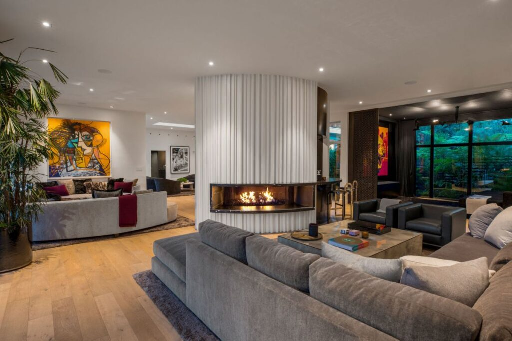 Perfect Beverly Hills Mid Century Modern Home
