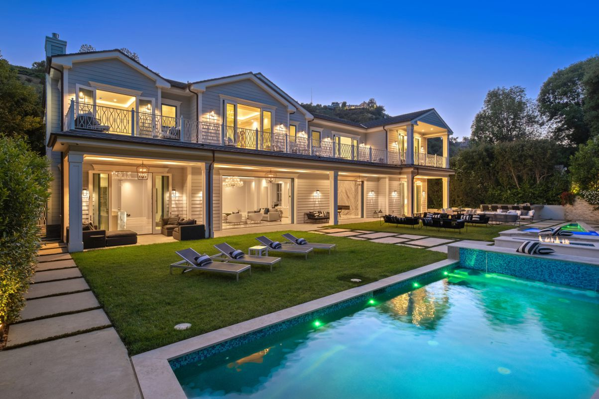 Roscomare Traditional Estate in Los Angeles for Sale