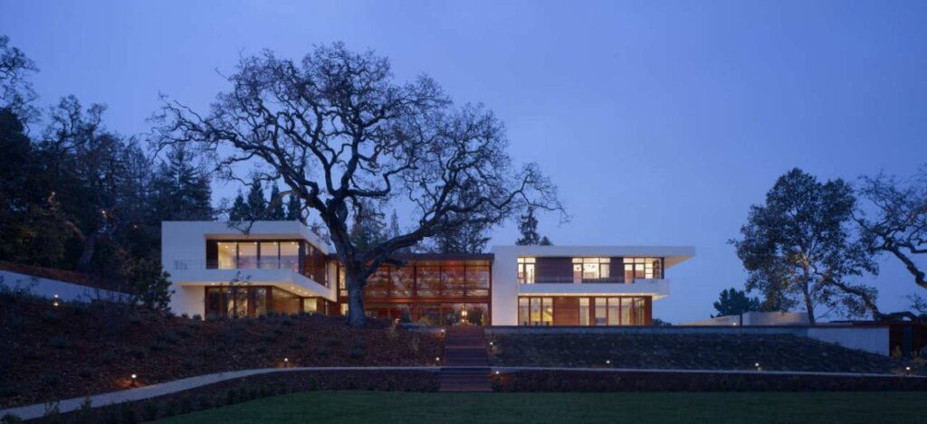 Silicon Valley Home in California by Swatt Miers Architects