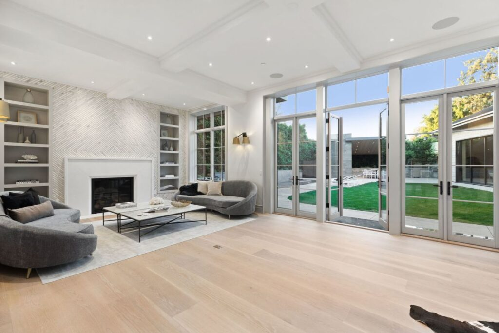 Sophisticated Pacific Palisades New Masterpiece