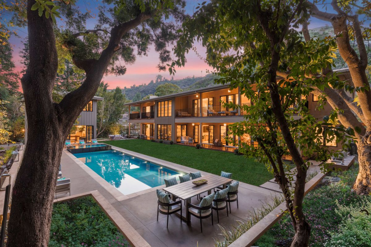 Traditional Home in Stone Canyon, Los Angeles for Sale