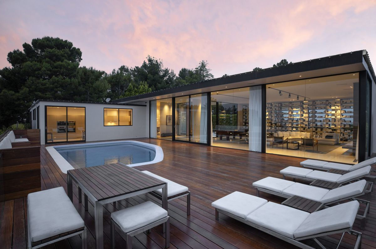 Trousdale Estates Contemporary Home in Beverly Hills for Sale