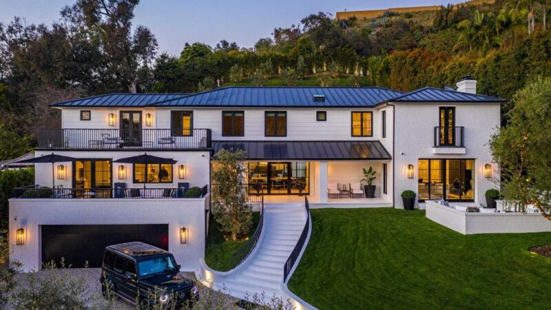$16.5 Million Brand New Home in Beverly Hills offers Exquisite Architecture