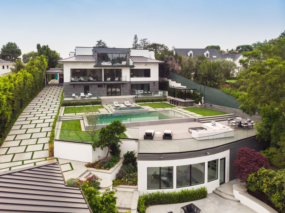 A Perfectly Luxurious Los Angeles Home for Sale