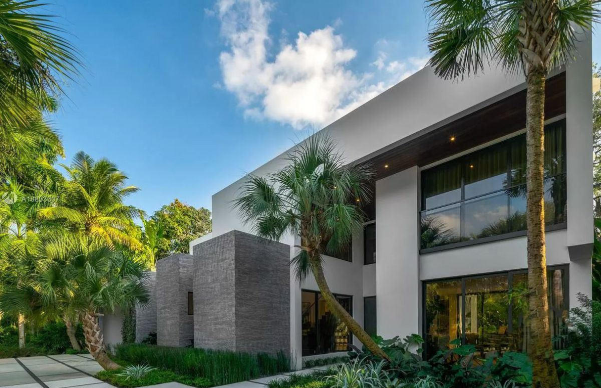 A Stunning Eco-smart Home in Miami Asking for $4.65 Million