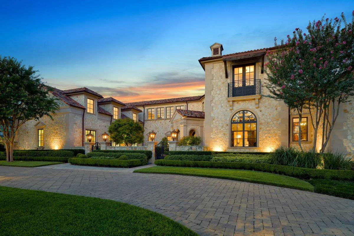 An Exquisite Mediterranean-style Dallas Home for Sale