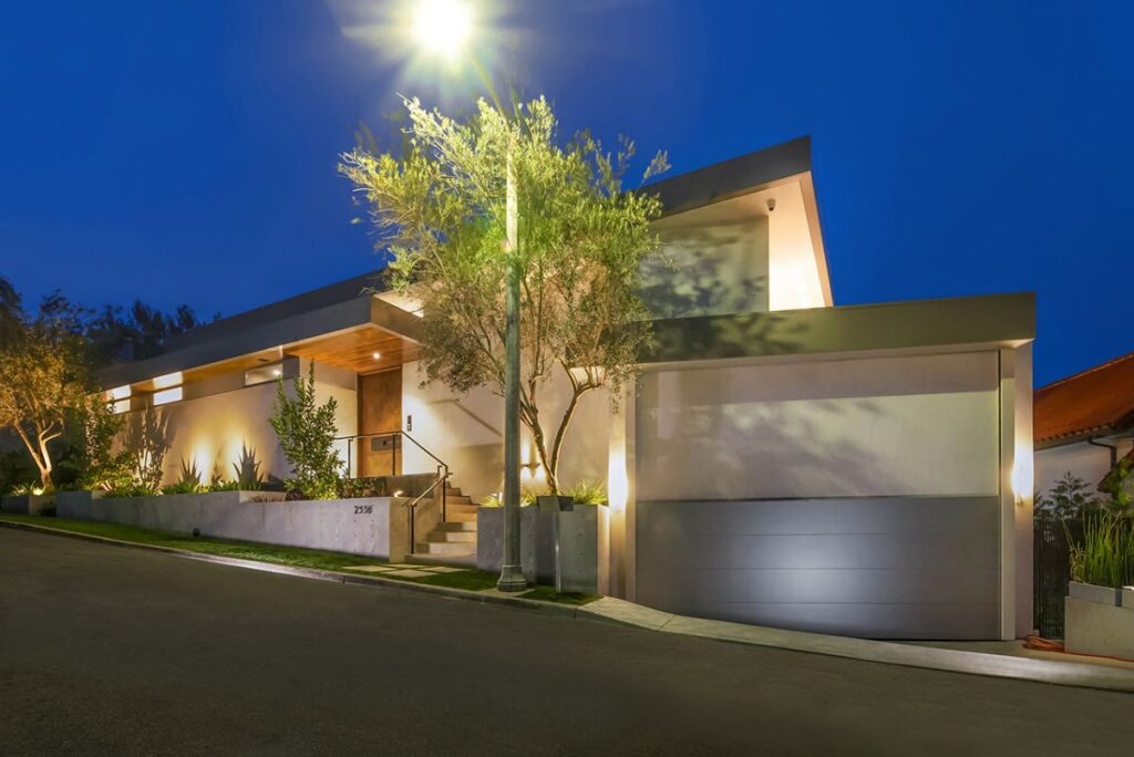 Architectural Masterpiece in Los Angeles