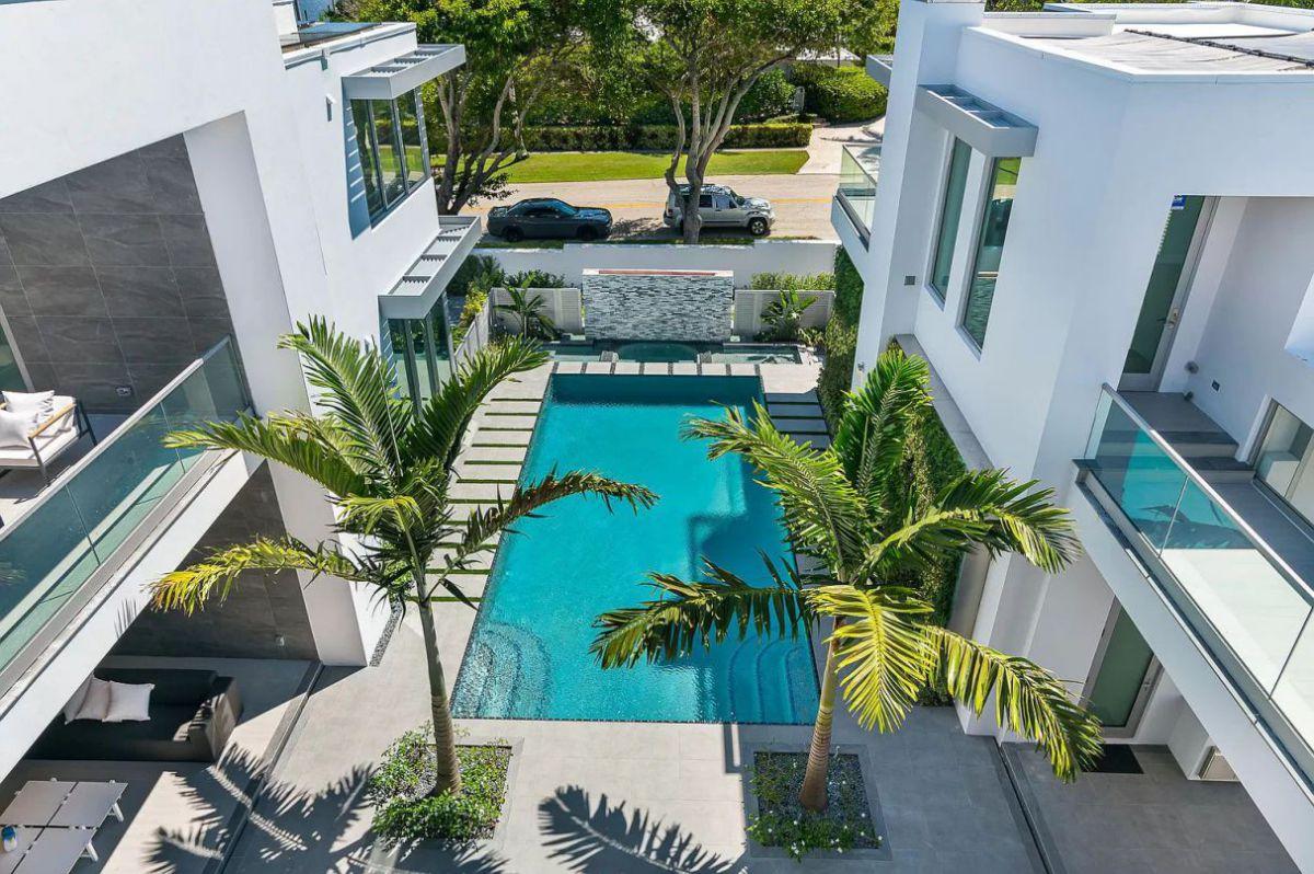 Brand New Distinctive Florida Home in Palm Beach Asking $17.75 Million