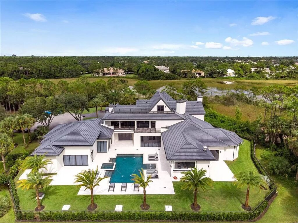 Brand New Home in Palm Beach Gardens hits Market