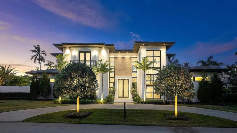 Classic Modern Delray Beach Home for Sale at $5.695 Million