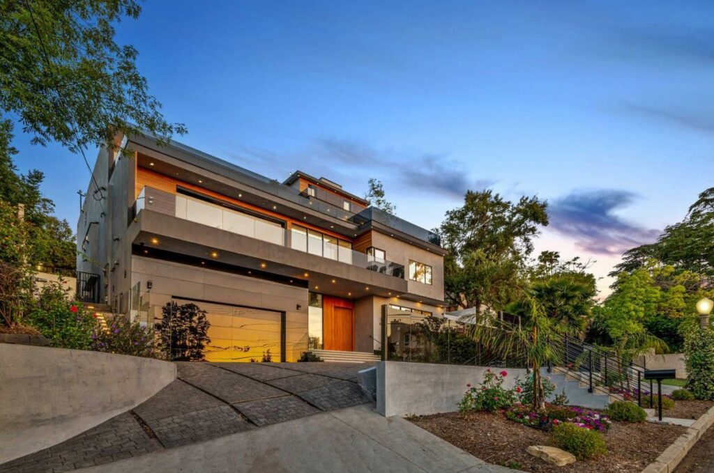 Exquisitely designed Sherman Oaks Home for Sale