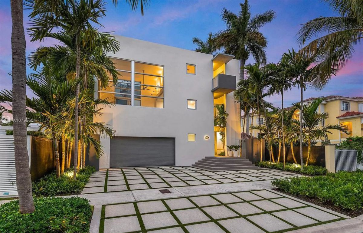 Fairhaven Modern Waterfront Home for Sale in Miami at $4.695 Million