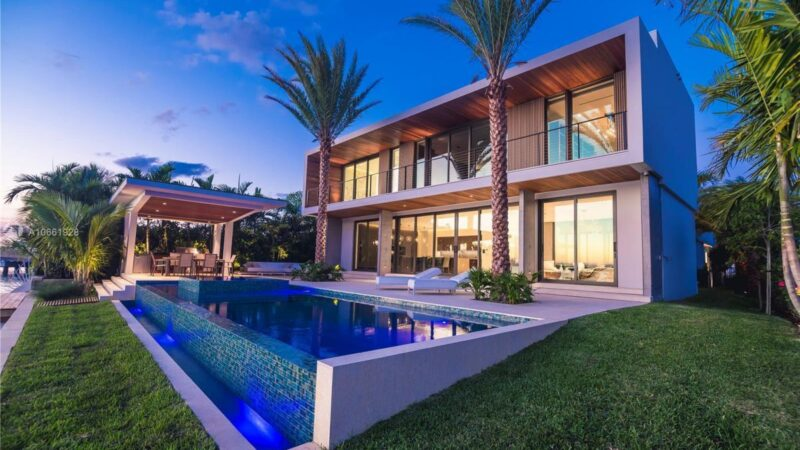 Florida Dream Home in Exclusive Bay Harbor Islands Asking $12.9 Million